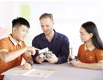 Our curriculum balances Vietnamese traditional values and international standards.
